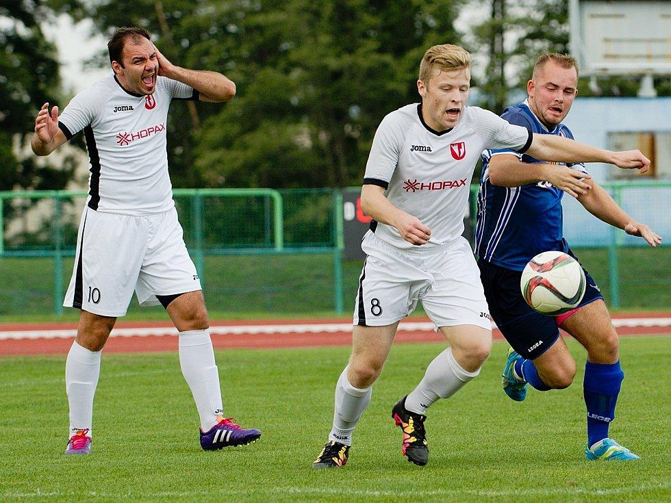 Fotbalisté Medlova (v bílém). Ilustrační foto