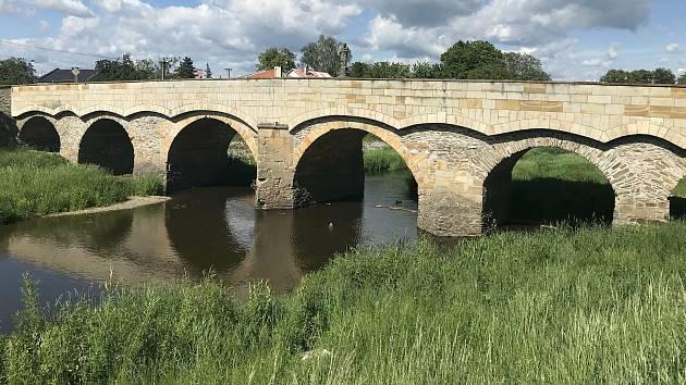 Řeka Morava v Litovli. 2. června 2020