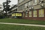 Odběrové místo ve  fakultní nemocnici v Olomouci