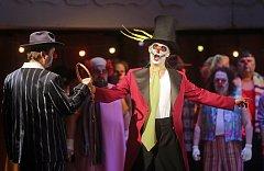 Verdiho opera Ernani v podání Moravského divadla Olomouc