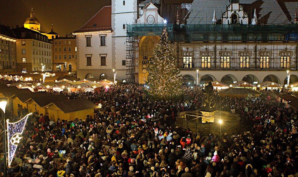Slavnostní rozsvícení vánočního stromu v Olomouci 2017