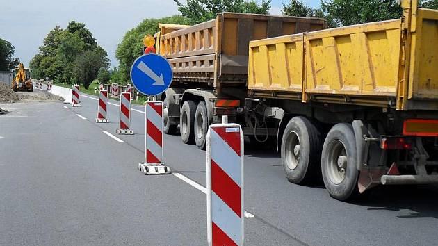 Oprava mostu brzdí provoz mezi Lipníkem a Osekem nad Bečvou