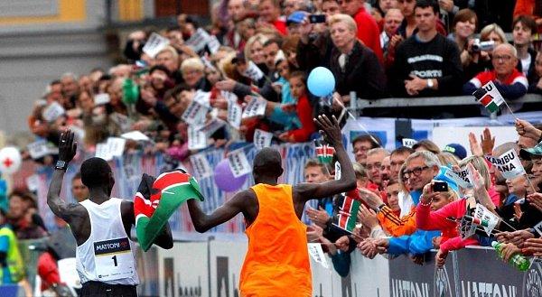 Geoffrey Ronoh a Wilson Kipsang vcíli olomouckého půlmaratonu