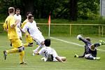 Gól Schlehra na 2:0. Moravské semifinále Poháru regionů: Olomoucký KFS (v bílém) proti Zlínskému KFS