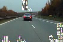 Cizinec se po R35 z Olomouce na Ostravu řítil rychlostí 214 km/h