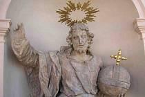 """Restaurování sochy Krista """"Salvator Mundi"""""""