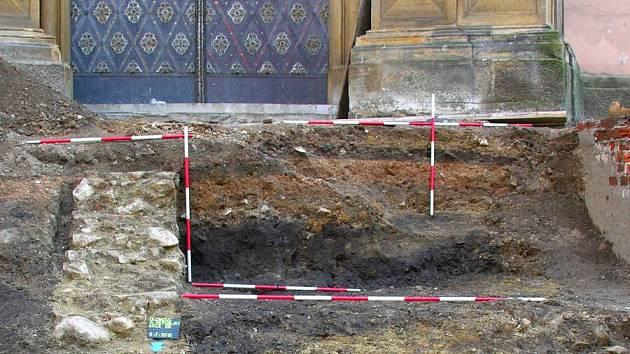 Archeologické nálezy u kostela Panny Marie Sněžné v Olomouci