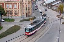 Křižovatku Litovelské ulice, třídy Míru, Dvořákovy a ulice Na Šibeníku v Olomouci zavře oprava tramvajových kolejí