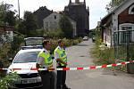 Září 2012. Hasiči, policisté a celníci zasahují u nálezu barelů s lihem v bývalých sladovnách v Olomouci