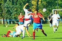 Šternberk (v bílém) proti Oskavě