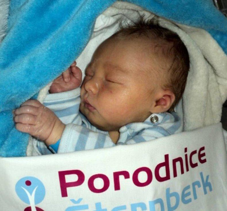 Antonín Motáň, Paseka narozen 6. října míra 50 cm, váha 3390 g