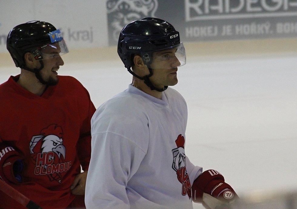Rostislav Olesz poprvé trénoval s týmem Olomouce.