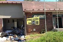 Majitel někdejší výrobny olejů v Horní Loděnici vyklidil vydražené prostory a jedná se zájemci o zřízení prodejny potravin.