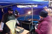 Prodej ryb na štědrovečerní tabuli je v plném proudu. Ceny jsou podobné jako vloni a ryb je dostatek