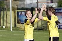 Fotbalisté Nových Sadů (ve žlutém) porazili Vsetín 4:1