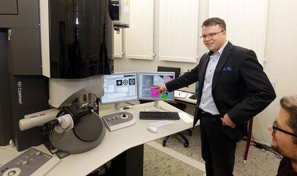 Michal Otyepka zRegionálního centra pokročilých technologií a materiálů (RCPTM) Univerzity Palackého vOlomouci