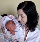 Nela Veselá, Olomouc, narozena 21. května v Olomouci, míra 50 cm, váha 3190 g.
