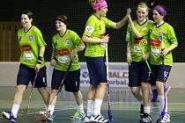 Florbalistky FBS Olomouc (v zeleném) porazily v zápase 21. kola extraligy Šumperk 5:1.