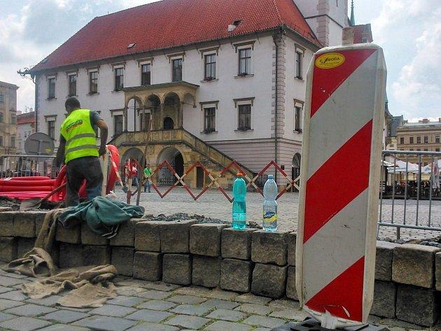 Prázdninové výkopy na Horním náměstí v Olomouci