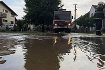 Bouřka s přívalovým deštěm potrápila obyvatele Štarnova