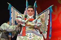 Soubor China Zhejiang Wu Opera Troupe předvedl úchvatnou show v Divadle na Šantovce. Přivítal tak příchod nového roku, který Čína slaví 5. února