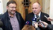Jiří Zemánek z ČSSD (vlevo) a Ladislav Okleštěk z ANO