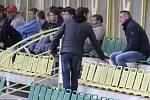 Fotbalisté 1. HFK Olomouc (v bílém) podlehli ve třetím kole domácího poháru Hradci Králové 1:8