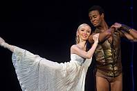 Emily Joy-Smith v baletu Othello Moravského divadla Olomouc
