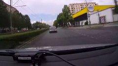Policejní stíhačka ujíždějícího BMW v okolí hlavního nádraží v Olomouci
