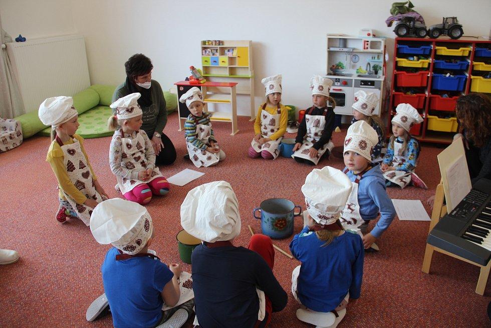 Děti z mateřinky v Ústíně
