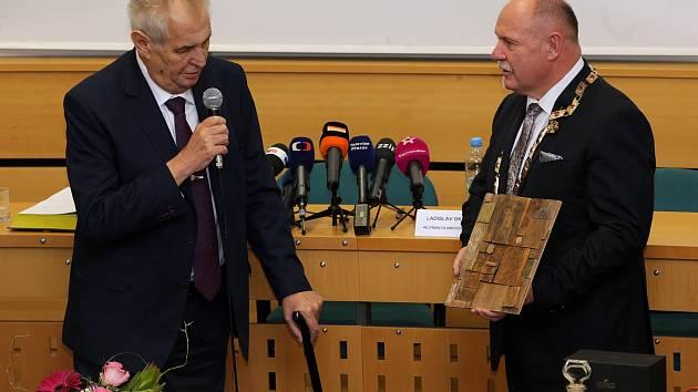 Prezident Miloš Zeman a olomoucký hejtman Ladislav Okleštěk