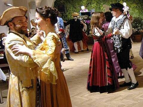 Barokní ples v olomouckém Vlastivědném muzeu