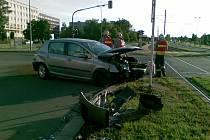 Havárie dvou aut na tř. Kosmonatů