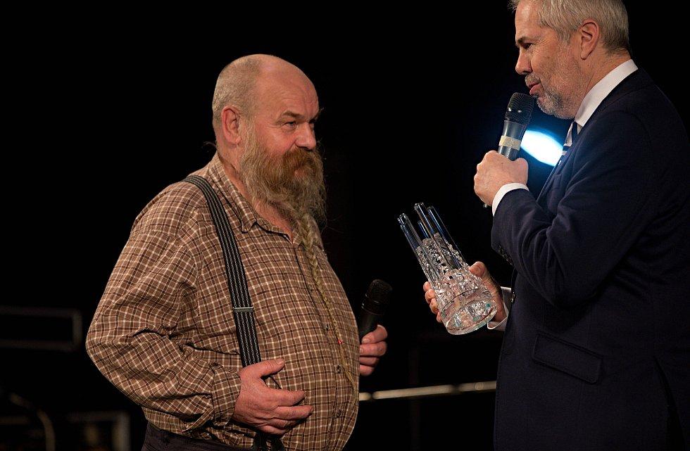 Cena za celoživotní přínos (dvorana slávy) Libor Vojkůvka. Předávání Cen Olomouckého kraje za přínos v oblasti kultury 2017 v Městském divadle v Prostějově