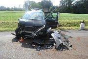 U Velkého Týnce na Olomoucku zranil opilý řidič šoférku protijedoucího auta při riskantním předjíždění.
