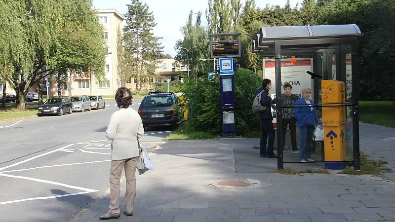 V Kmochově ulici se bude rekonstruovat autobusová zastávka směrem do centra města.