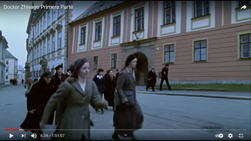 Screen z filmu Doktor Živago. Ulice Wurmova