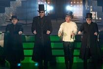 Vokální formace 4TET má ve svém repertoáru převzaté skladby od Franka Sinatry, Karla Gotta, Queen a troufla si dokonce i na českou státní hymnu