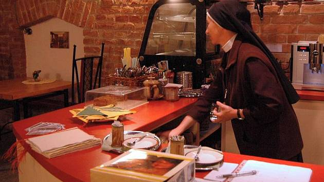 Kavárna Õde v Hrnčířské ulici