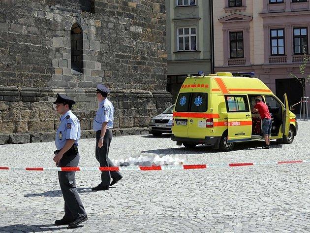 Záchranáři a policisté zasahují u tragického skoku ženy z věže kostela sv. Mořice v Olomouci