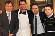 Emanuel Ridi obohatil italský večer v NH hotelu například recepturami na tiramisu z ostrova Elba. Návštěvníci je dokázali ocenit