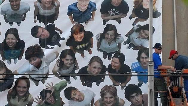 Megatablo studentů Gymnázia Hejčín z roku 2007