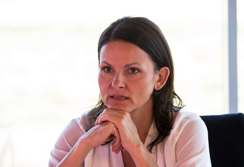 Klára Melíšková jako mjr. Výrová. Vodník, 1. díl. Z cyklu Detektivové od Nejsvětější Trojice