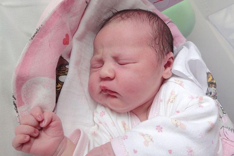 Eliška Lamačová, Olomouc, narozena 2. září v Olomouci, míra 52 cm, váha 3340 g.