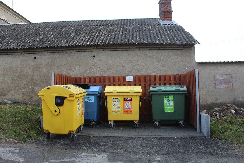Nová stání pro kontejnery v Drahanovicích