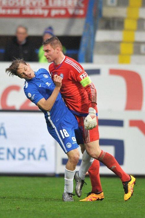 Olomoucký gólman Miloš Buchta dostal za toto napadení libereckého Půlkraba červenou kartu