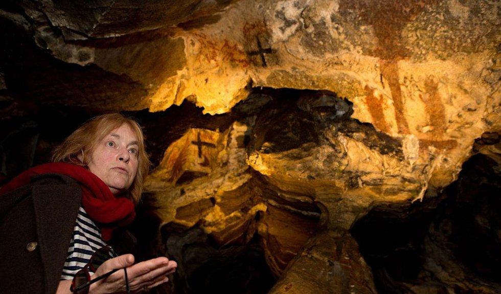 Dominika Machačová, restaurátorka historických nápisů a  maleb v jeskyni Na Špičáku