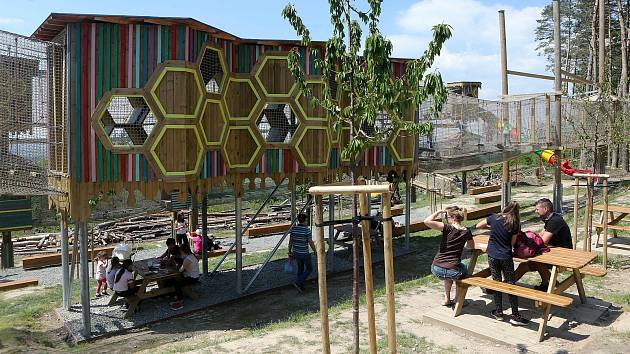 Obnovené lanové centrum v zoologické zahradě na Svatém Kopečku.18. května 2020