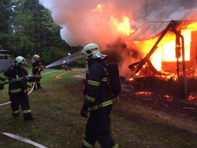 Požár chaty v Bělkovicích na Olomoucku