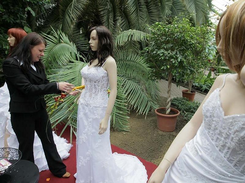 Svatební inspirace ve Sbírkových sklenících v Olomouci